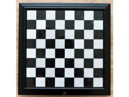 alabastrová šachovnica