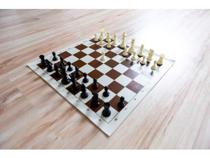 Šachová súprava komplet stredná (Farba šachovnice Hnedo-biela)
