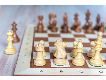 Drevená šachová súprava mahagón PROFESIONÁL 3,5  + doprava zdarma