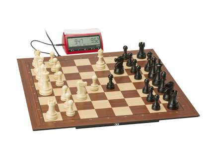 DGT Smart Board with Plastic Electronic Chess Pieces and DGT3000