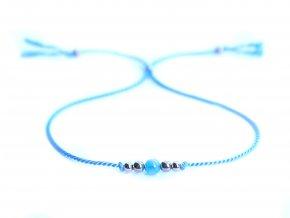 Světle modrý hedvábný náramek s akvamarínem a korálky z chirurgické oceli Sadré
