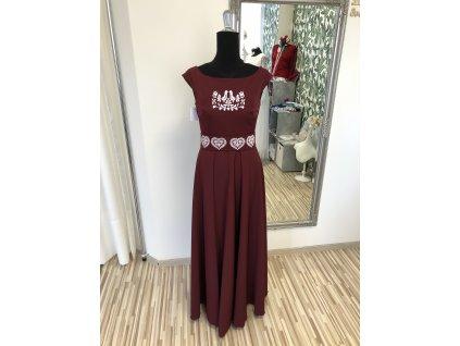 Vyšívané šaty dlhé