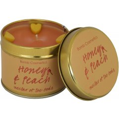 Bomb cosmetics Vonná svíčka Honey & Peach (med a broskev) 35 hodin