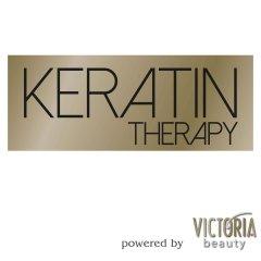 Victoria Beauty KERATIN Therapy Stylingový sprej pro fixaci kadeří, 150 ml