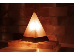 Solná elektrická lampa Pyramida
