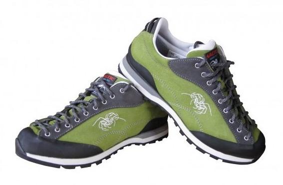 Nízké trekové boty