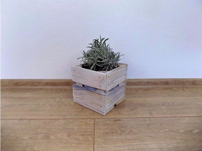 Dřevěná bedýnka Čtvercová 17x17x16 shabby chic bílá bylinky