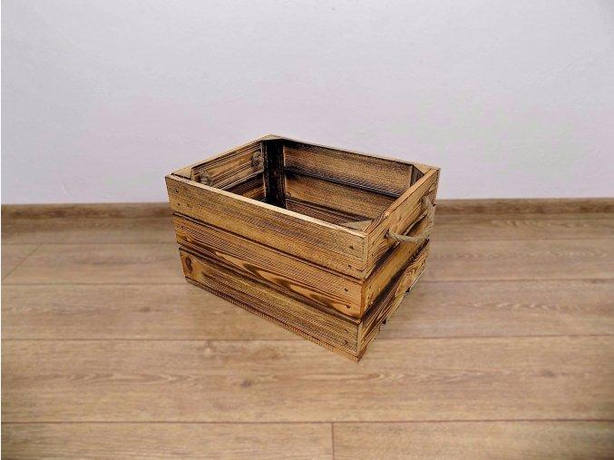 dřevěná bedýnka 40x30x24 cm opálená s provazovými úchopy