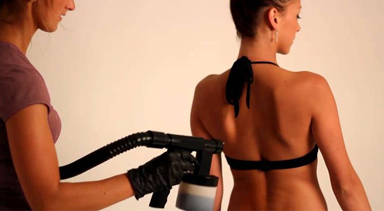 Samoopalovací nástřik - Jak správně připravit pokožku?