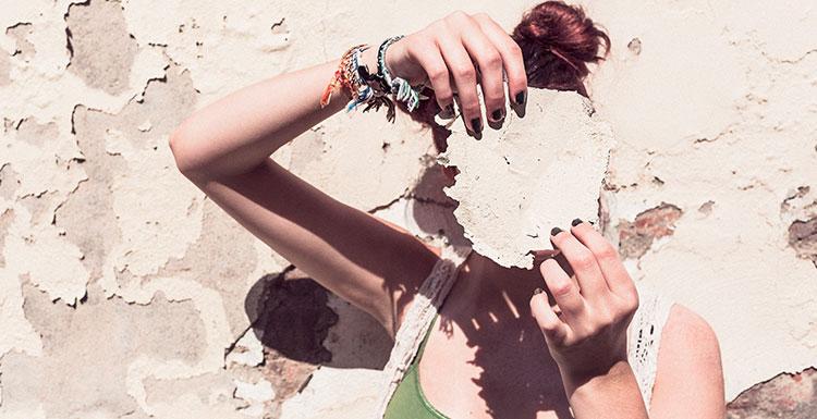 Prečo je tak dôležité urobiť si jarný peeling pokožky?