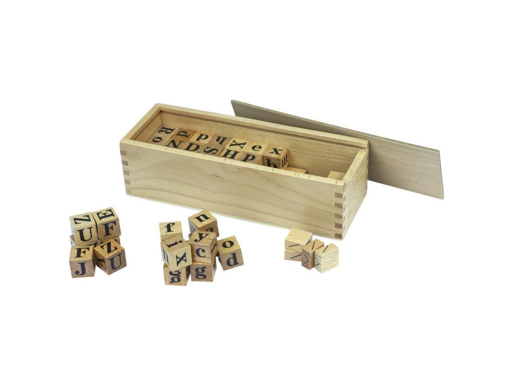 Kostky s abecedou v krabičce