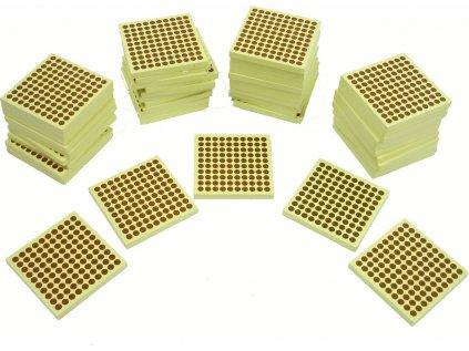 45 kusů dřevěných stovkových čtverců