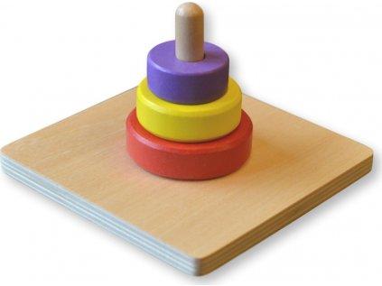 Tři barevné kruhy na kolíku