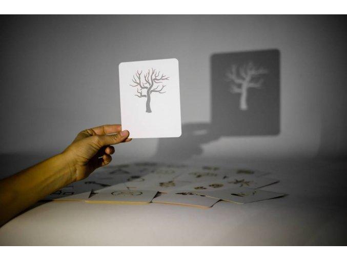 Prosvit a vypravej karta strom