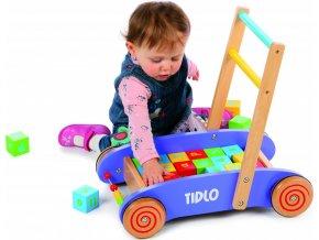 Tidlo dřevěný vozíček s kostkami fialový