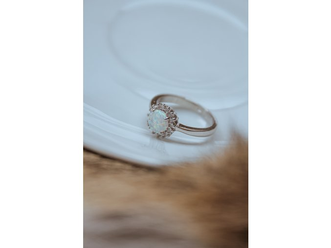 Prsten slunce s opálem