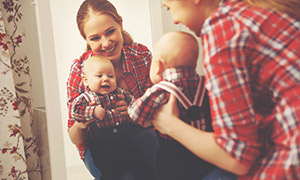 Kdy se miminko pozná v zrcadle aneb Vědomí své identity