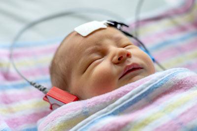 Jak slyší novorozenec?