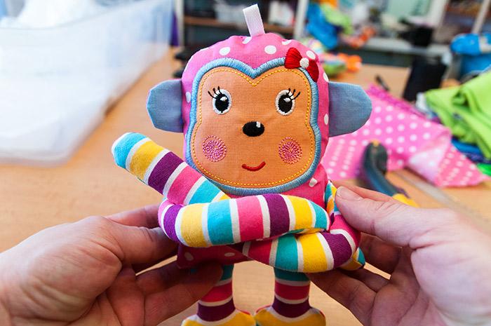 hračky pro miminka od 6 měsíců