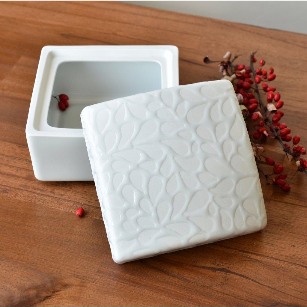 porcelánová dóza bílá