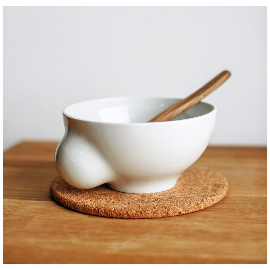 Porcelánová miska se dřevěnou lžící