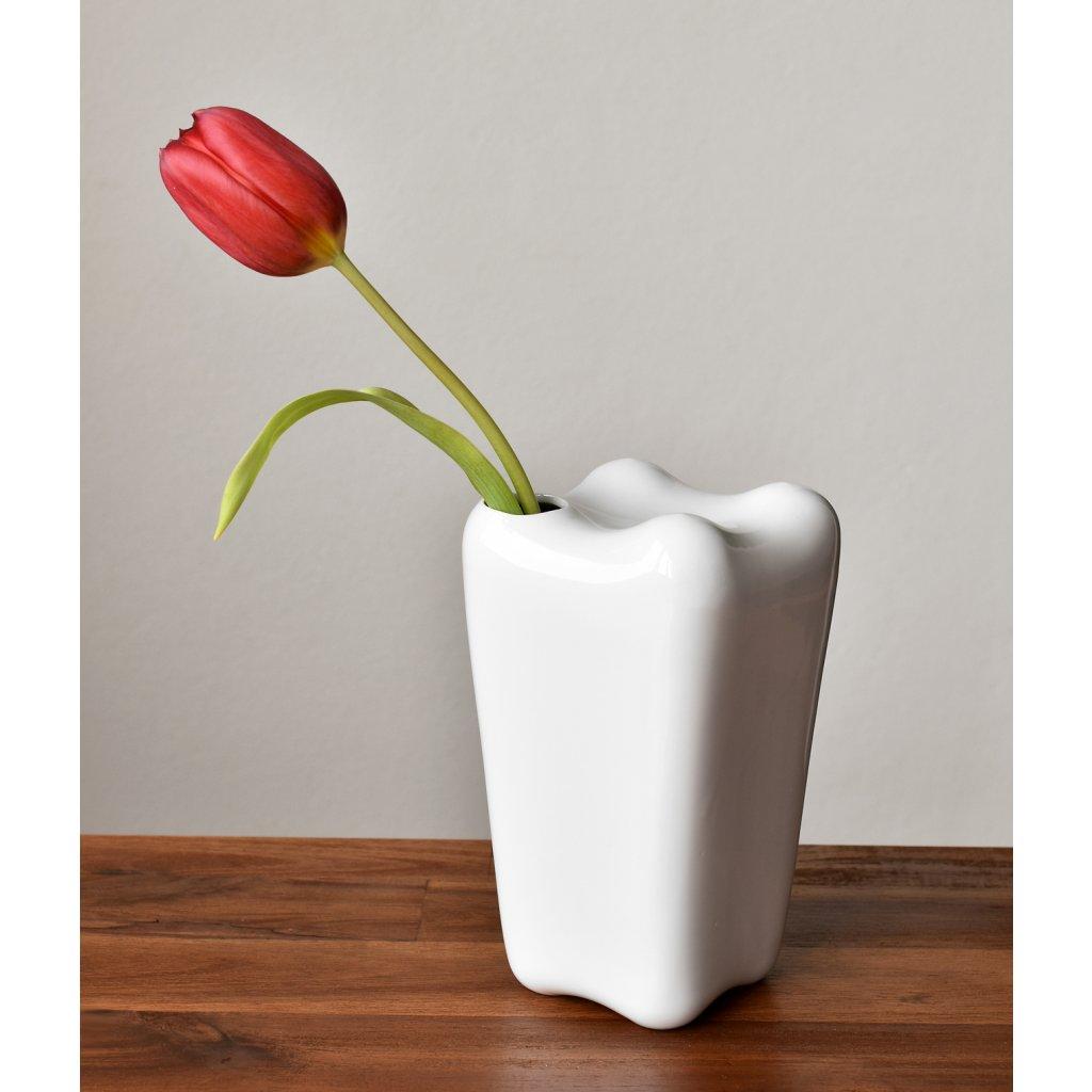 porcelánová váza bílá