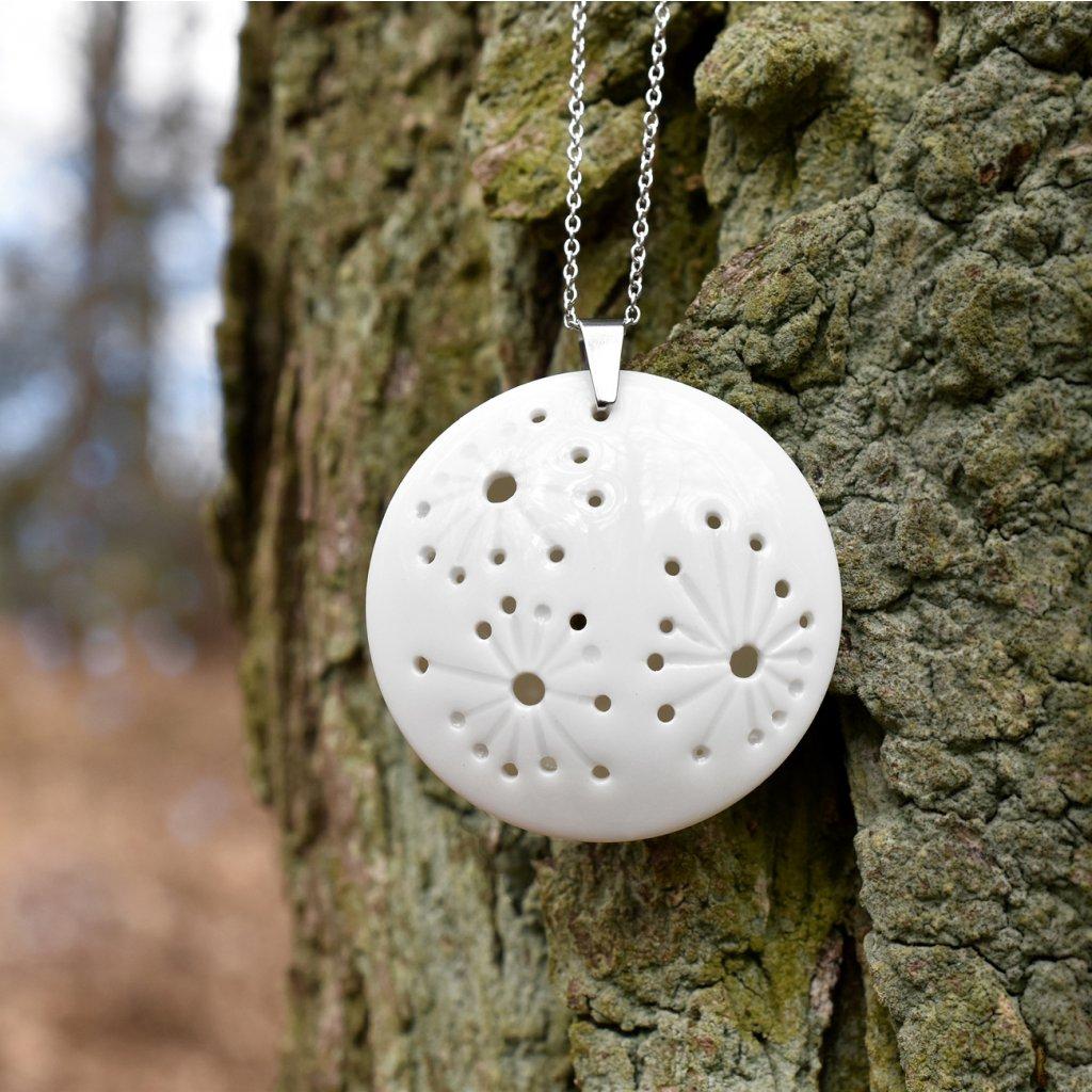 bílý porcelánový náhrdelník