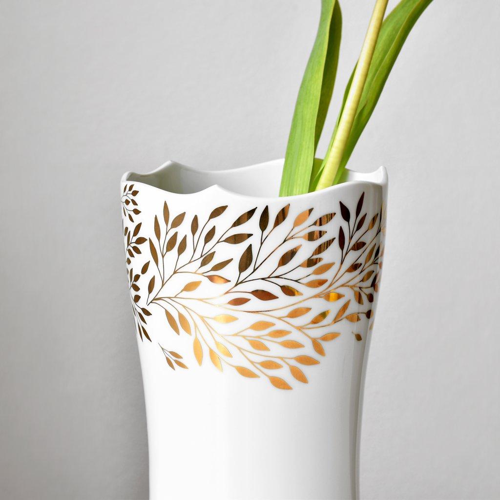 porcelánová váza se zlatým dekorem