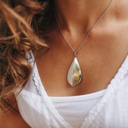 zrcadlově lesklý porcelánový náhrdelník