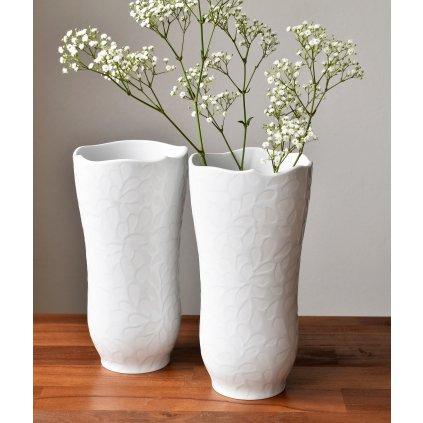 bílá porcelánová váza