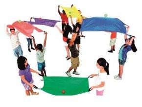 set malych detskych padaku 6 barev tymova spoluprace