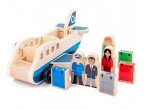 Drevené lietadlo s cestujúcimi