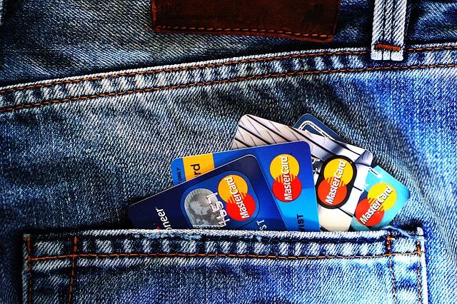 Od včerejška můžete platit kartou :-)