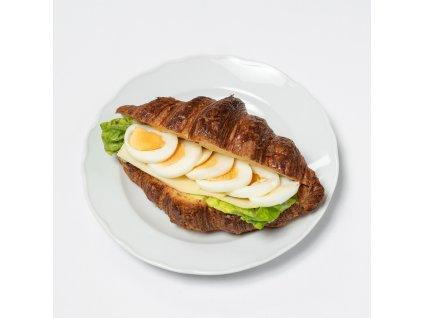Croissant se sýrem, vajíčkem, lanýžovou majonézou - Café Savoy