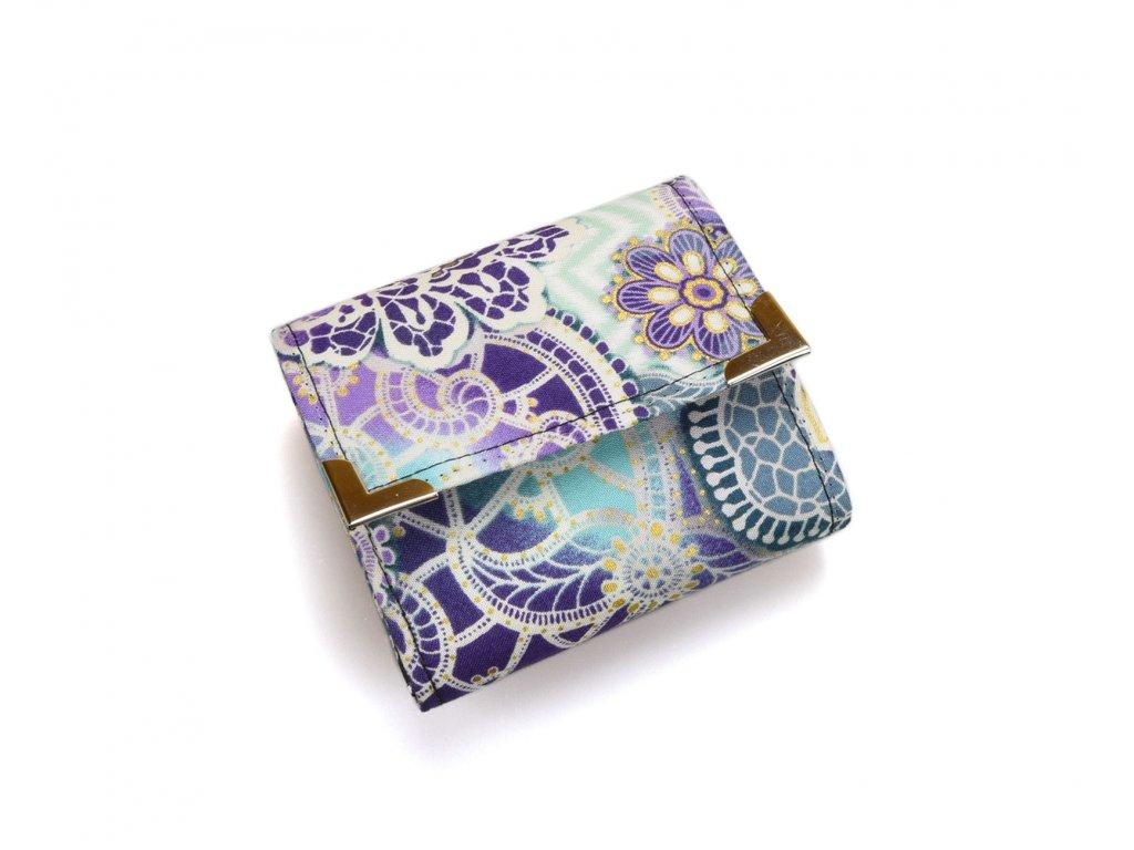 fialová abstraktní peněženka