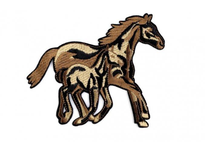nažehlovačka koně