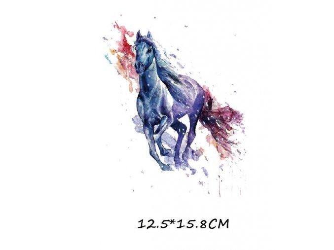 nažehlovací obrázek běžící kůň