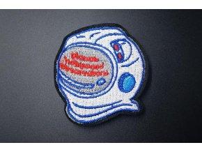 nažehlovačka helma od skafandru