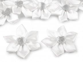 saténové květy se srdcem bílé