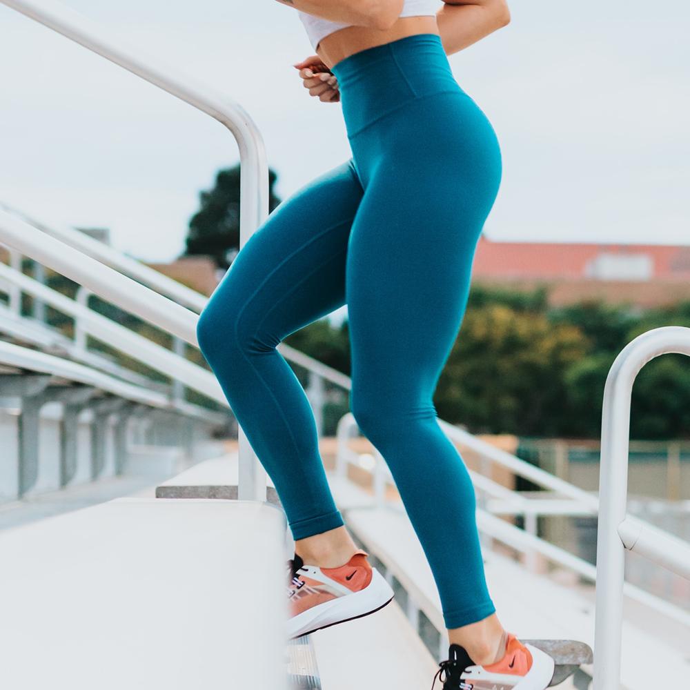 Svalové křeče se často vyskytnou, když jsou svaly přetíženy cvičením, nebo když držíte tělo v poloze, která udržuje svaly napnuté delší dobu ve stejné pozici.