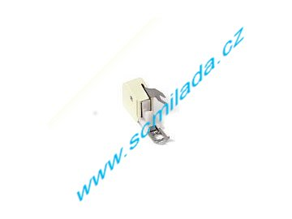 Patka vrchního podávání pro šicí stroje