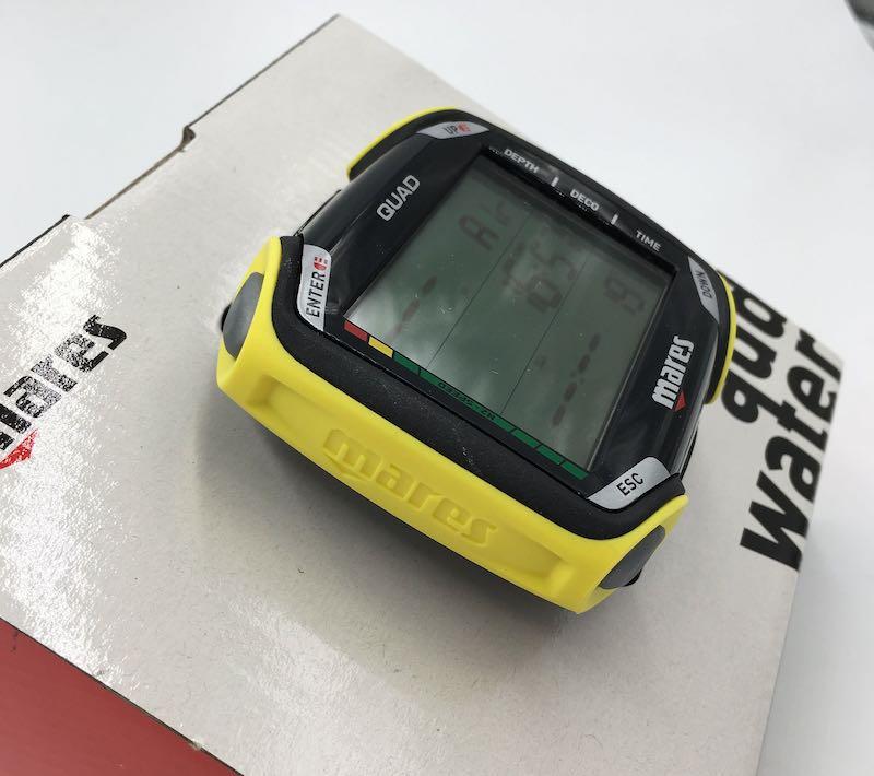 Počítač potápěčský Mares Quad žlutý
