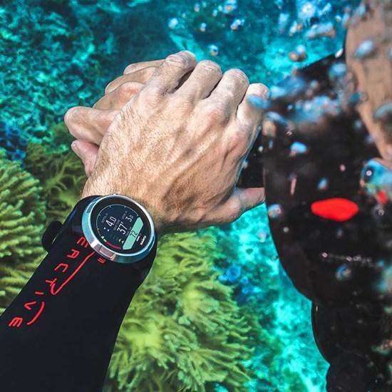 Suunto D5 displey pod vodou