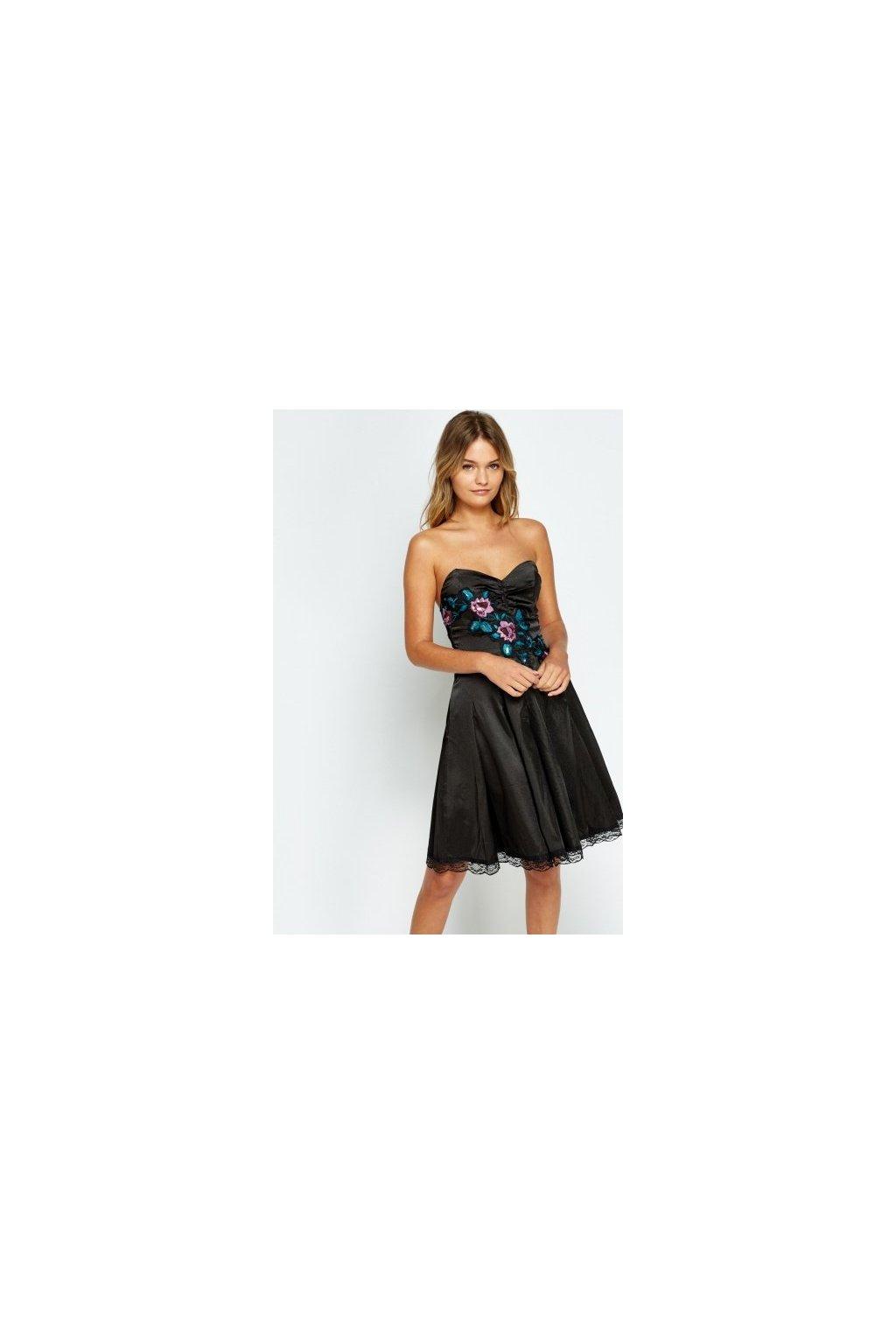 Černé společenské šaty s výšivkou
