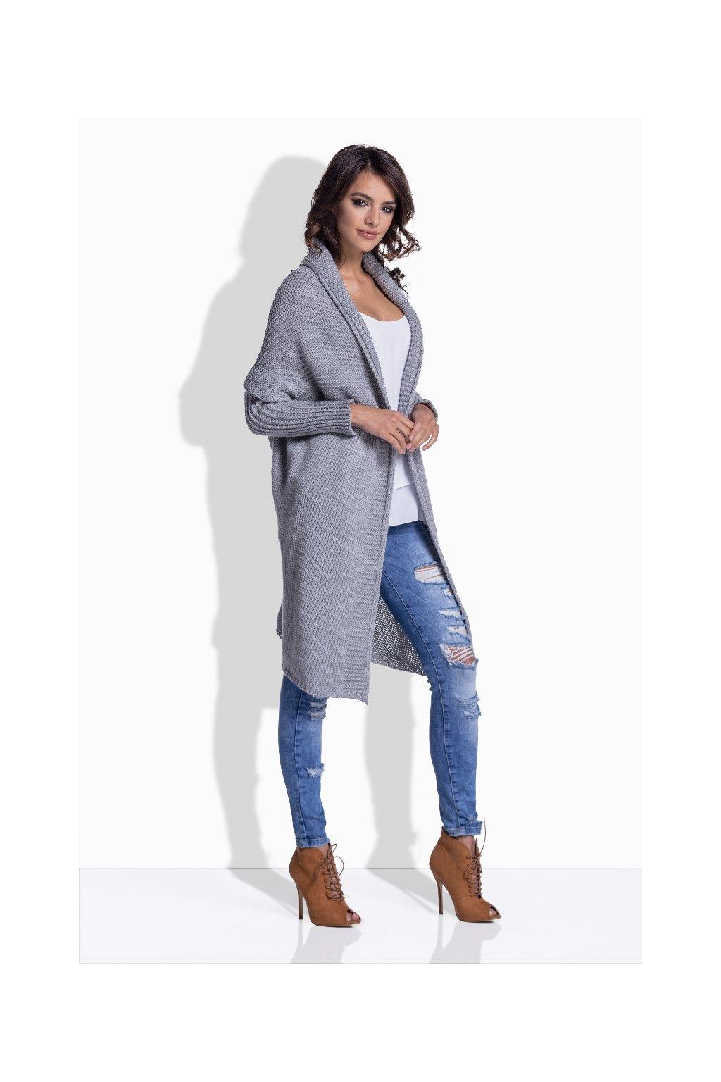 2046ceec062 Svetry a pletené kabátky