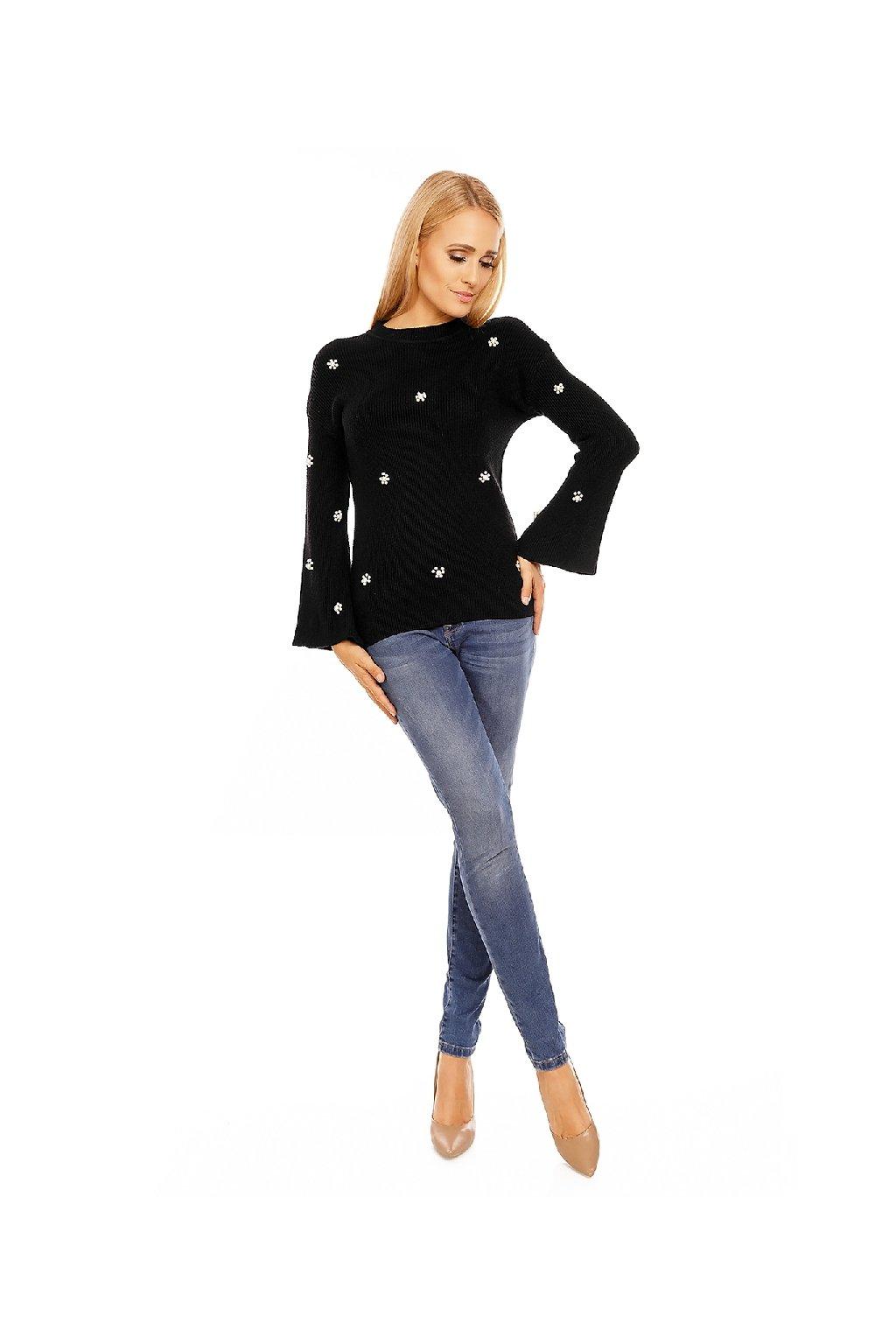 Dámský černý svetr s perličkami zepředu