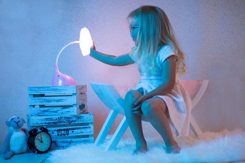 Lampa_slon_1200x800