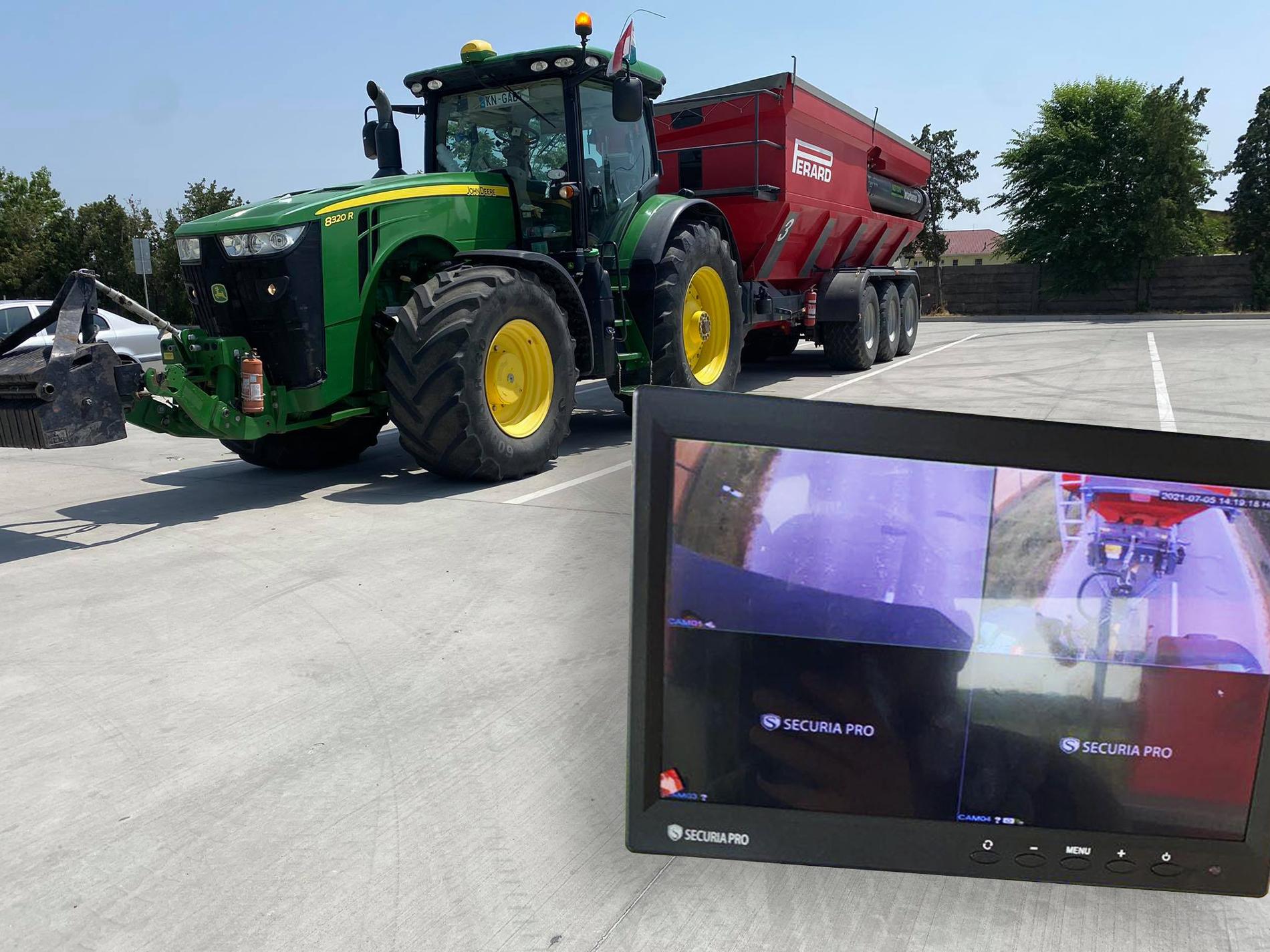 Cúvacie a monitorovacie kamery na kombajn alebo traktor