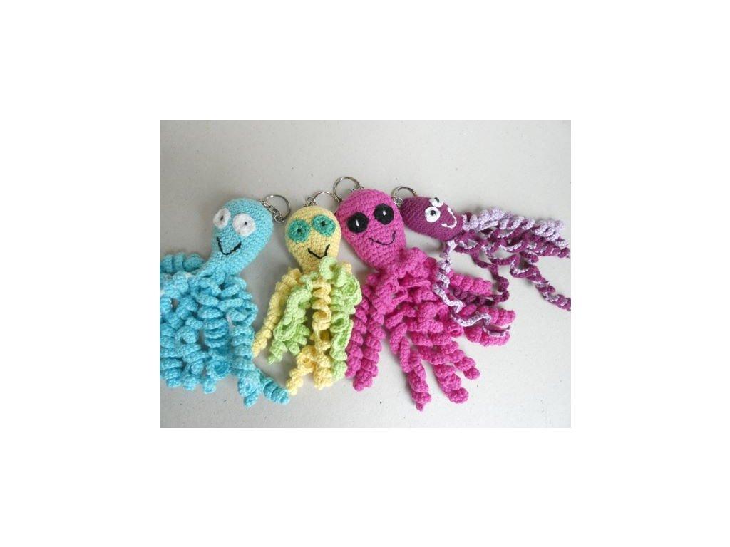 Háčkovaný přívěšek - chobotnička - různé barvy