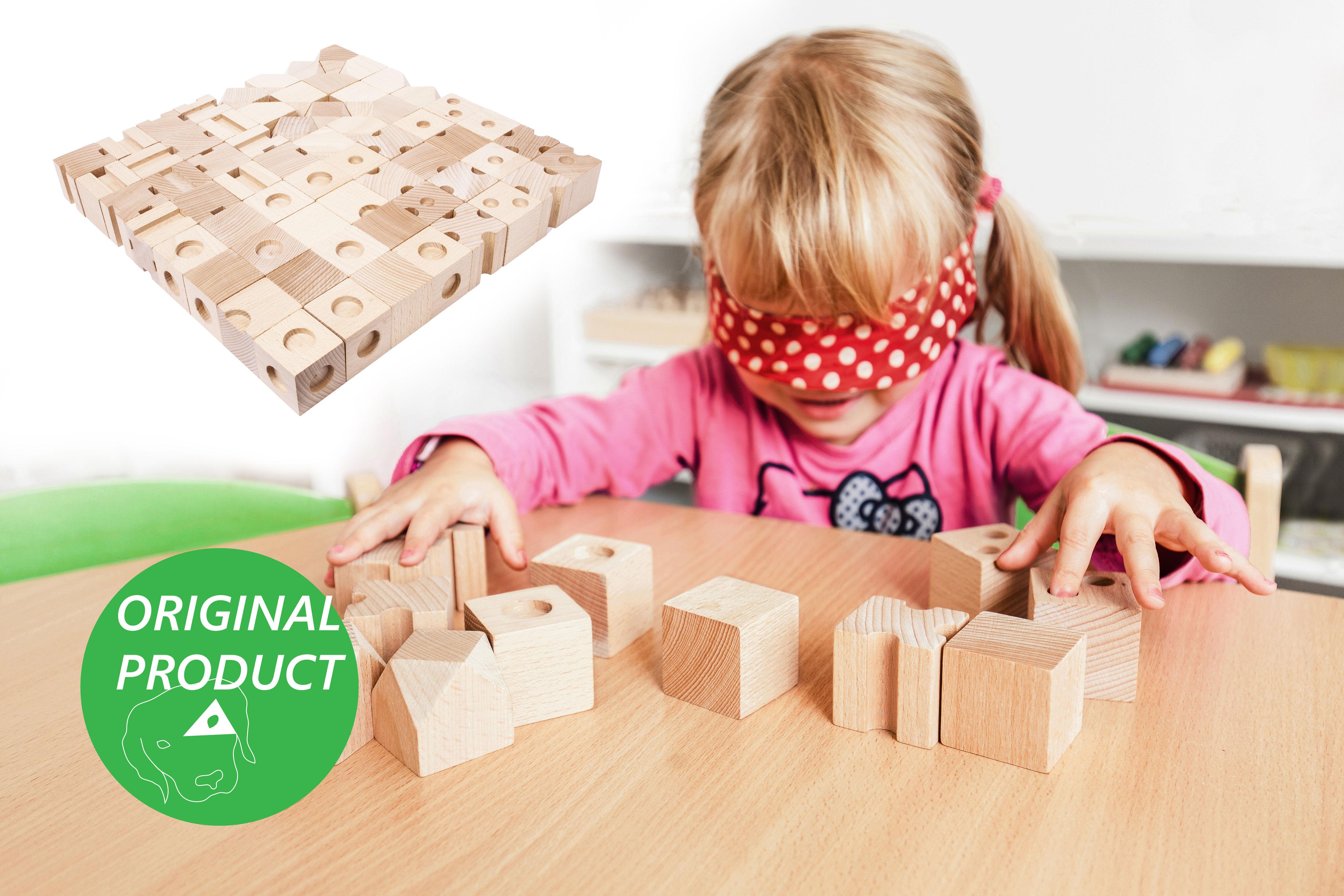 DĚTSKÉ POMŮCKY Dřevěné hmatové kostky 4 stupně obtížnosti